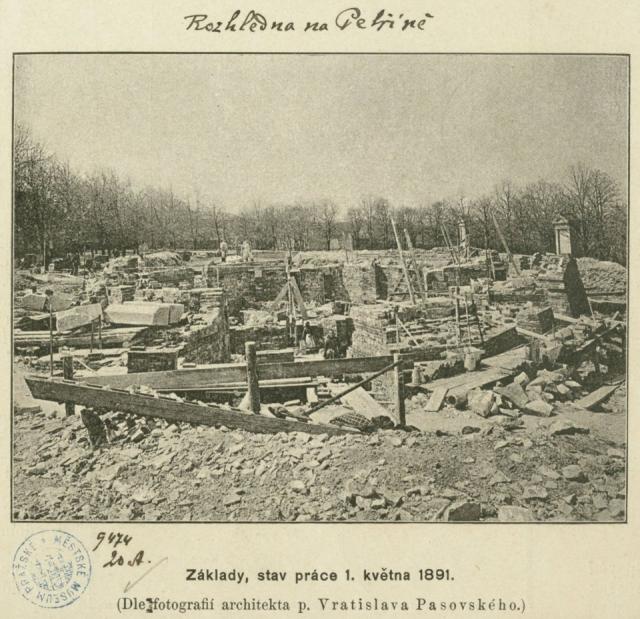 Základy rozhledny, 1891, foto Vratislav Pasovský