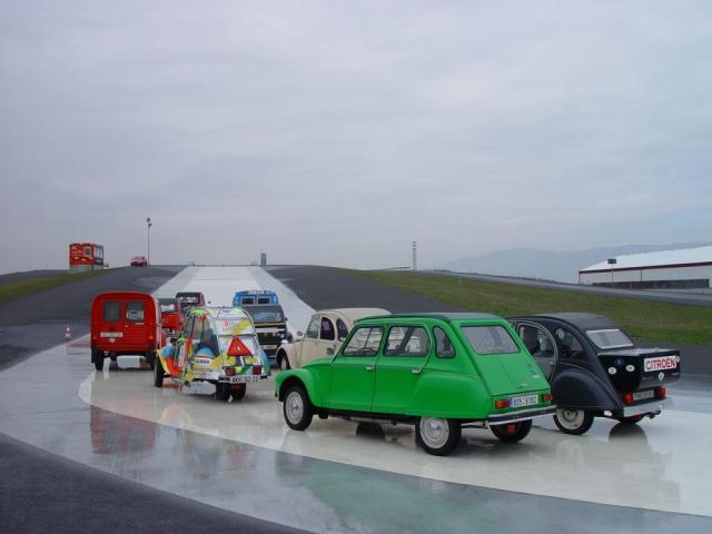Unikátní výstava Cirque Citroën míří do Prahy, foto Francouzský institut v Praze