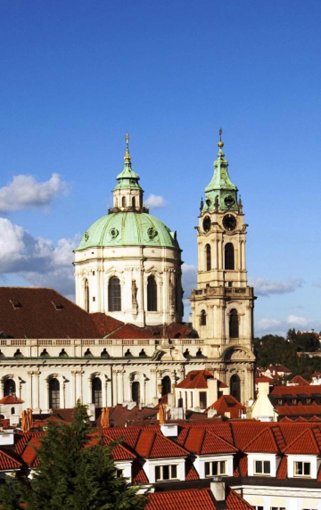 Zvonice barokního kostela sv. Mikuláše z r. 1755, foto Muzeum Prahy