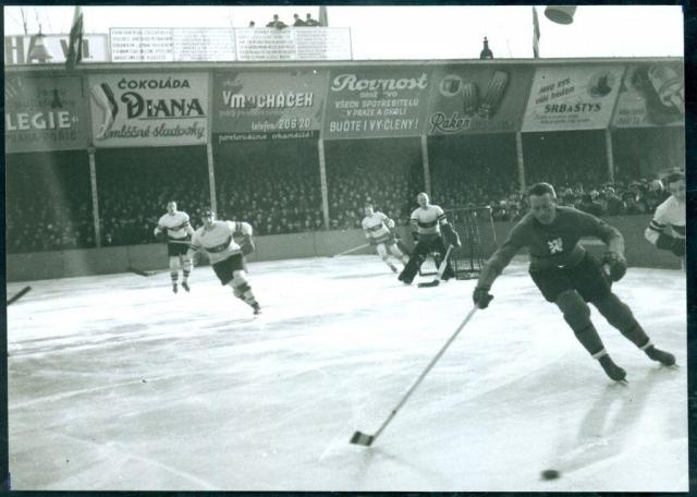 Mistrovství světa v hokeji na stadionu na Štvanici, 1938. Foto Muzeum hlavního města Prahy