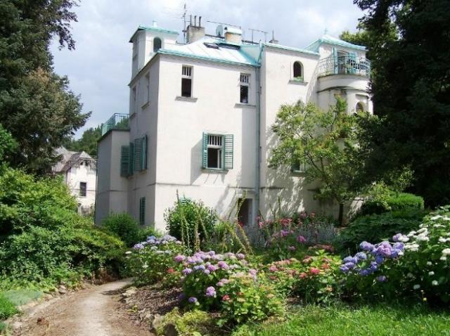 Na zámku v Roztokách byla zahájena výstava nazvaná Dobřichovické vily – sídla pražské honorace, foto NPÚ