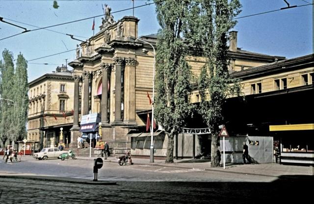 Budova těšnovského nádraží 9. května 1971, foto Oldřich Janovský, MMP