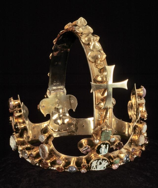 Koruna Karla IV., kterou byl korunoví římským králem v Cáchách, Praha 1349, Cachy, pokladnice domu, foto Domské muzeum Cáchy