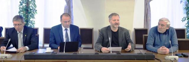 Setkání senátorů zvolených za Prahu se odvíjelo v plánech na řešení některých problémů, foto Senát Parlamentu České republiky