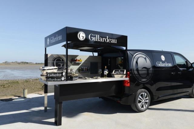 Peugeot vytvořil pojízdnou restauraci na zakázku , foto © Mikael Pennec