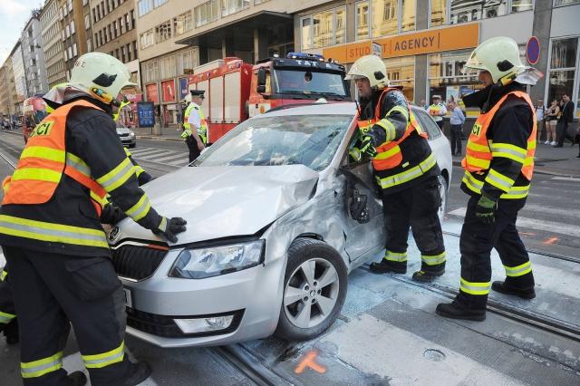 Hasiči zasahovali u nehody, foto HZS Praha