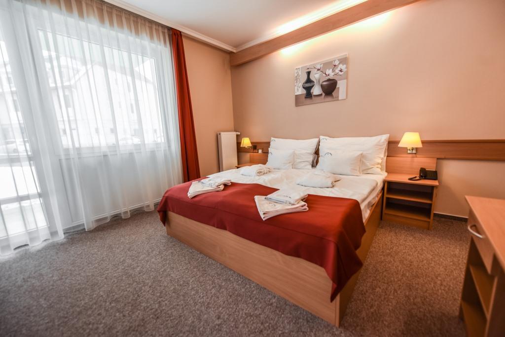 Tříhvězdičkový AQUA Hotel Termál se nachází v centru Mosonmagyaróváru.