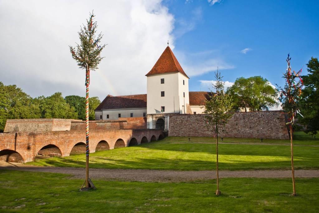 Turisticky zajímavým je určitě hrad Nádasdy-vár, vybudovaný ve středověku. Foto: Sárvár