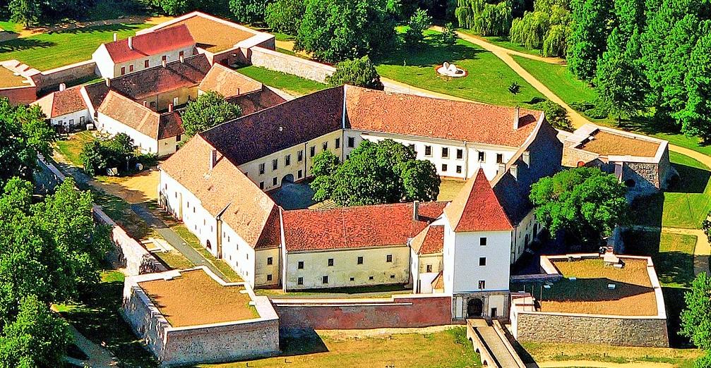 Procházka mezi památkami lázeňského města Sárvár. Foto: Sárvár