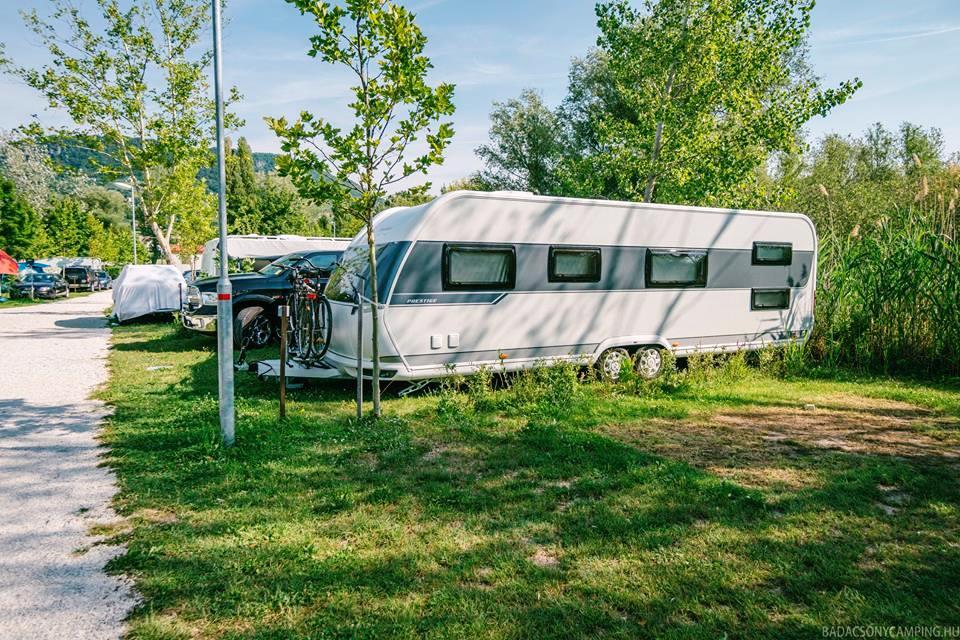 Rádi vám také pronajmeme místo pro váš stan i karavan.