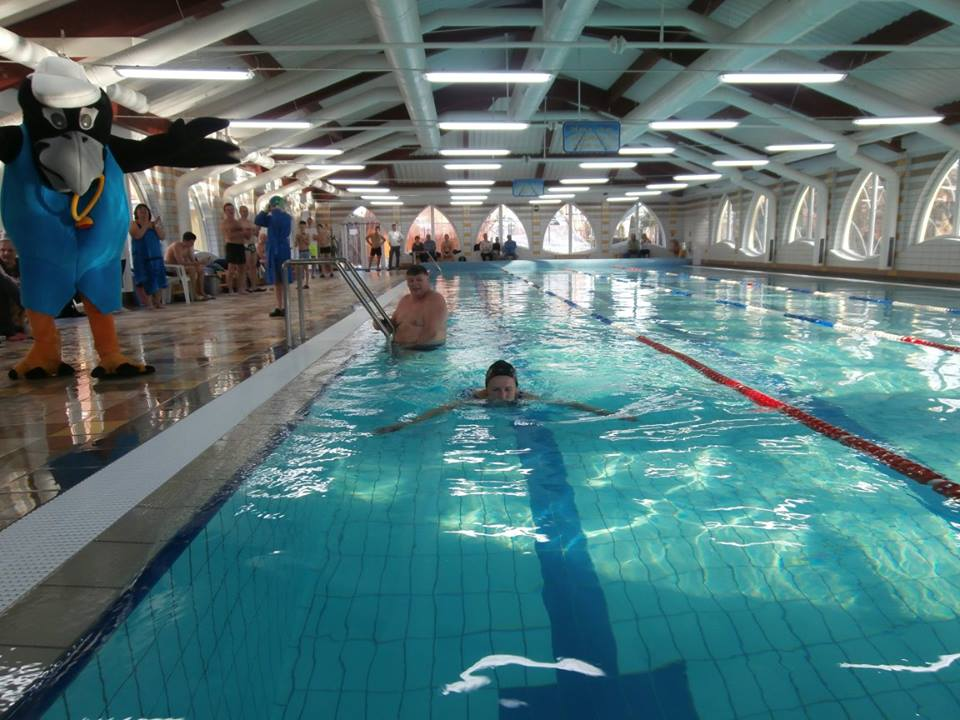 Krytý plavecký bazén s teplotou 25-30°C