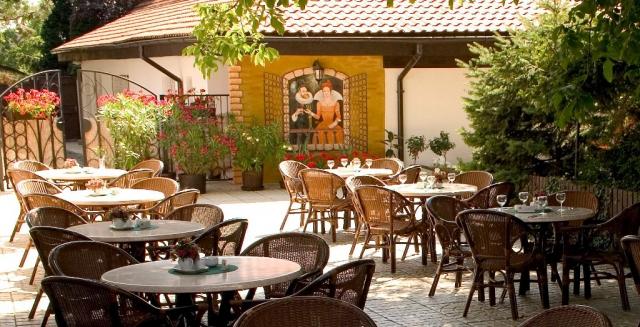 Dopřejte si jedinečný zážitek a přijměte pozvání do Golden Golem Hotelu.