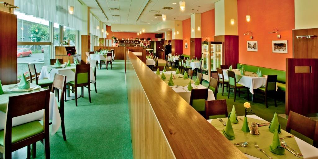 Restaurace v Hotelu AVANTI, foto Hotel AVANTI