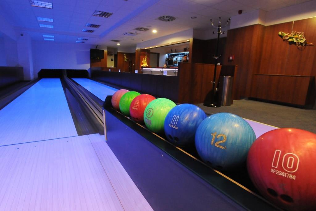 Bowling v Hotelu AVANTI, foto Hotel AVANTI