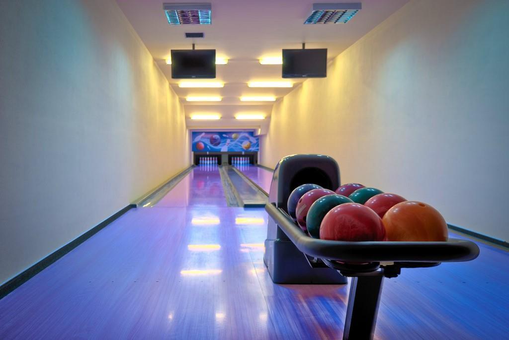 2 bowlingové dráhy