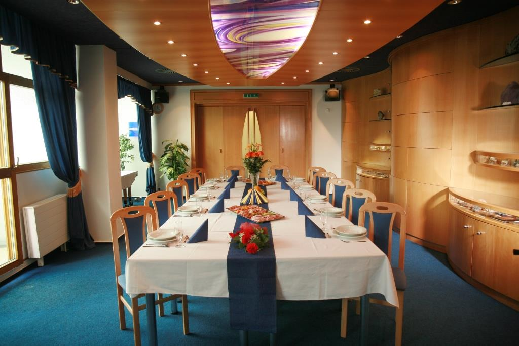 Firemní akce, školení, konference v hotelu Nástup, foto hotel Nástup