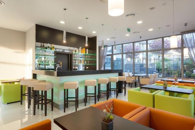 V hotelu se nachází i pohodlný lobby bar.