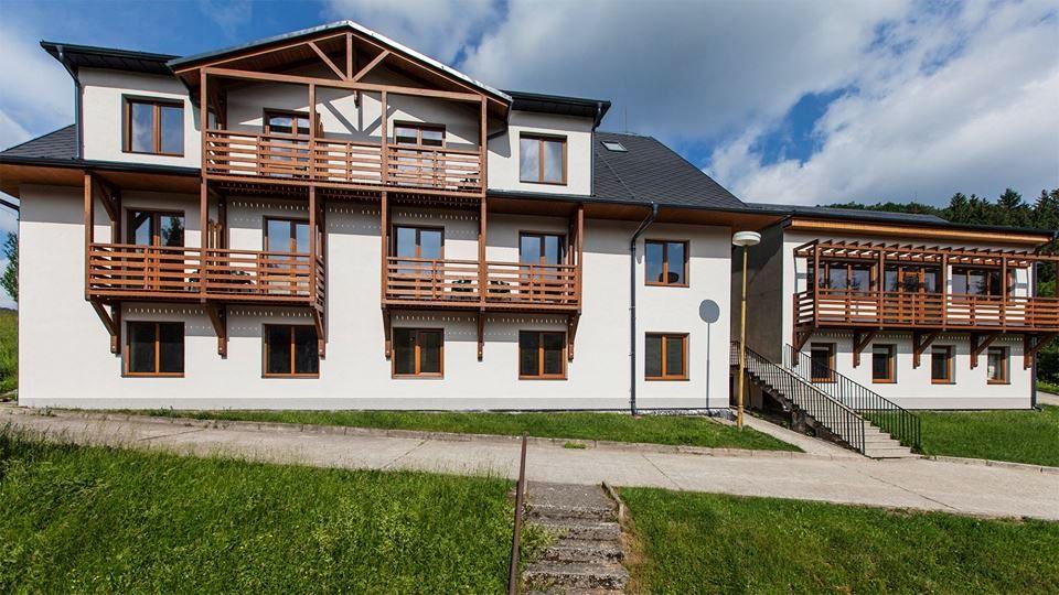 Hotel II - levnější hotel umístěn cca 100 m od Ski areálu Rusava