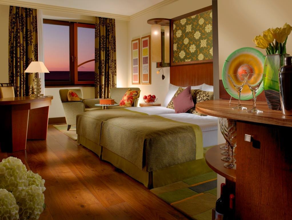Ubytování v Hotelu Savannah v Hatích u Znojma nabízí velice komfortních 70 dvoulůžkových pokojů kategorie Komfort a Executive a 6 luxusních apartmánů, které splní vaše očekávání. Foto Hotel Savannah