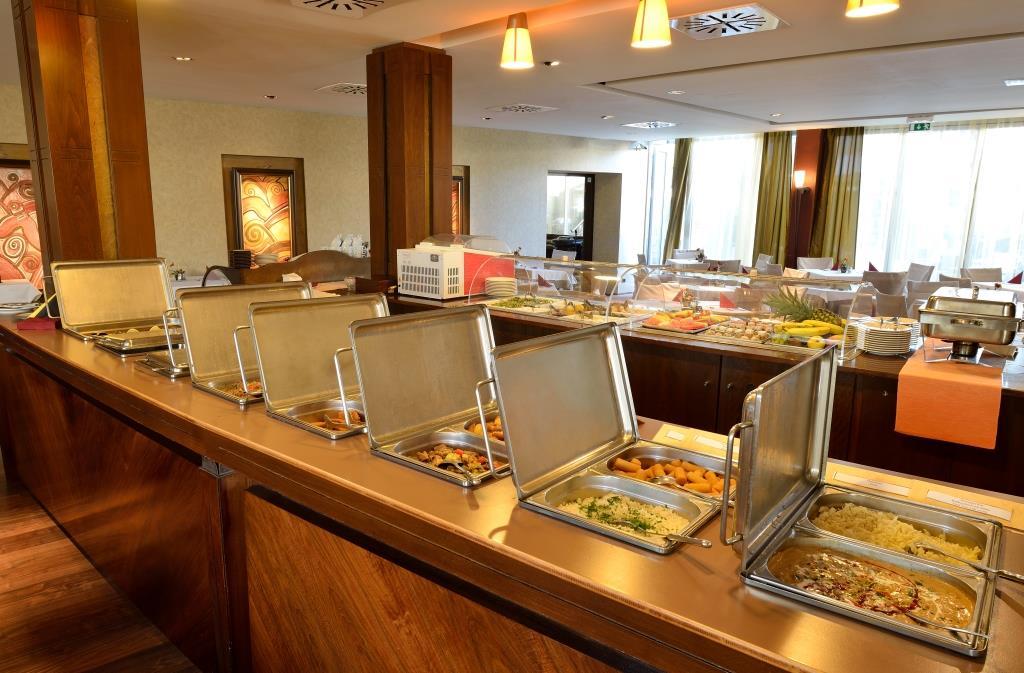 Hotel Silverine Lake Resort - gastronomie