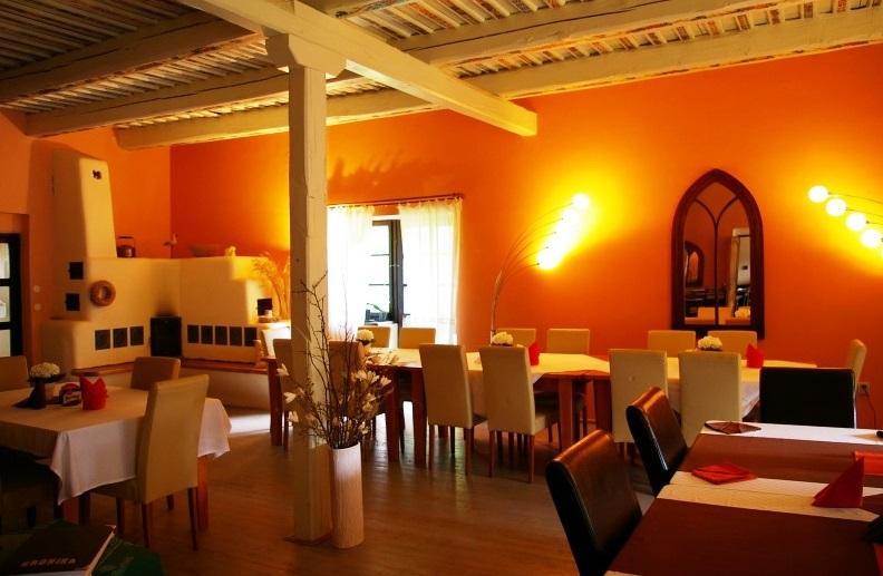 Restaurace v hotelu Klokočkův mlýn, foto hotel Klokočkův mlýn