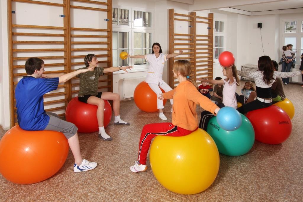Dlouholetá tradice lázní, vynikající zdejší specialisté, okolní příroda a široká nabídka kulturních a zábavných programů jistě přispěje nejen ke zlepšení vašeho zdraví, ale také k relaxaci a odpočinku.