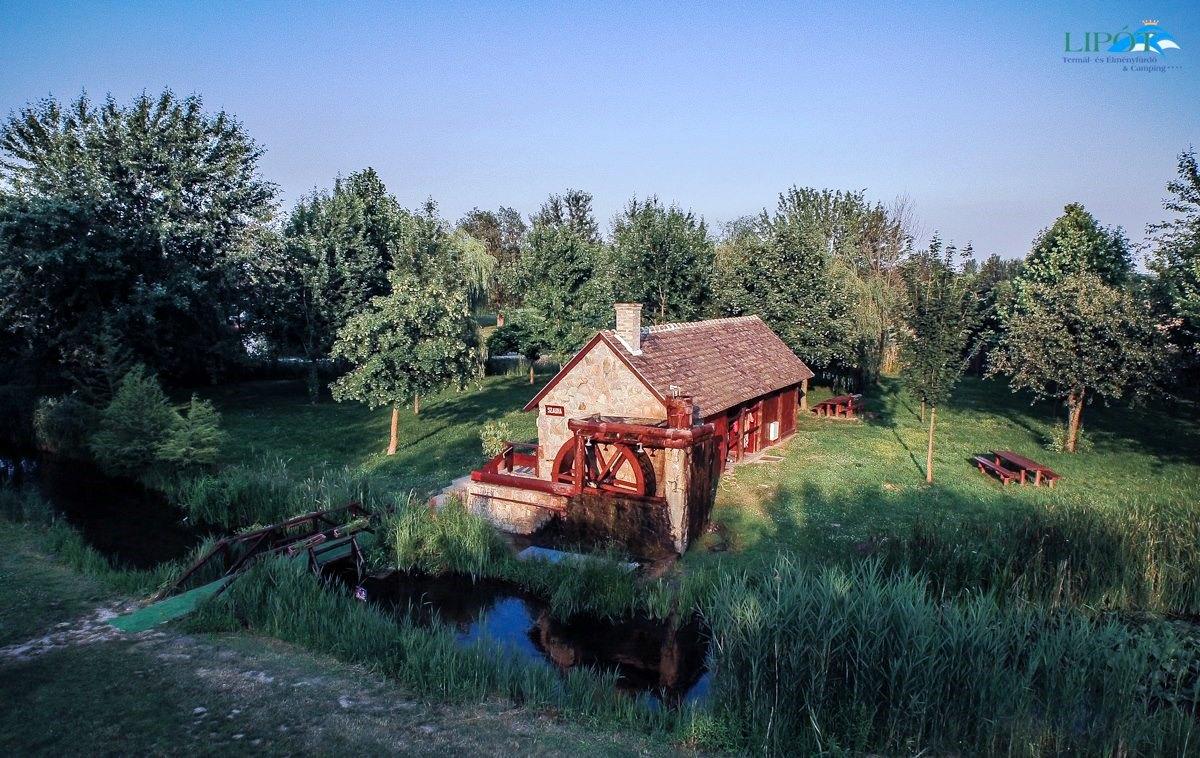 Termální a zážitkové lázně a kemp**** Lipót - vodní mlýn se saunovým domem