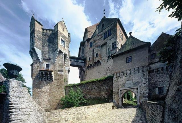 Hrad Pernštejn - jeden z nejnavštěvovanějších moravských hradů.