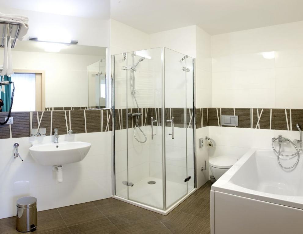 Hotel Skalský dvůr disponuje celkem 68 pokoji. Ubytovací kapacita je 172 lůžek. Foto: hotel Skalský dvůr