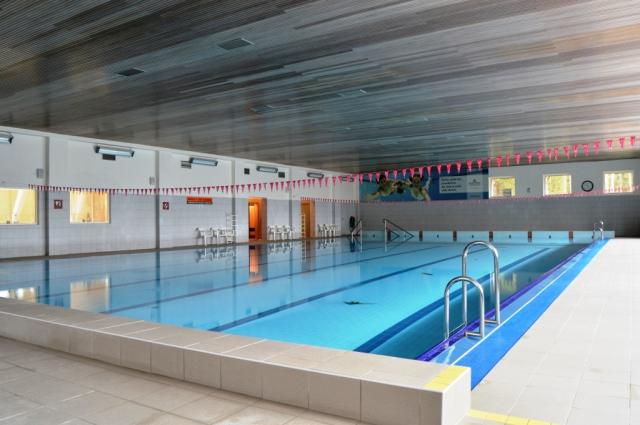 Jako jediný hotel na Šumavě má klasický plavecký bazén o rozměrech 25 x 12,5 m s teplotou 25 až 26°C.