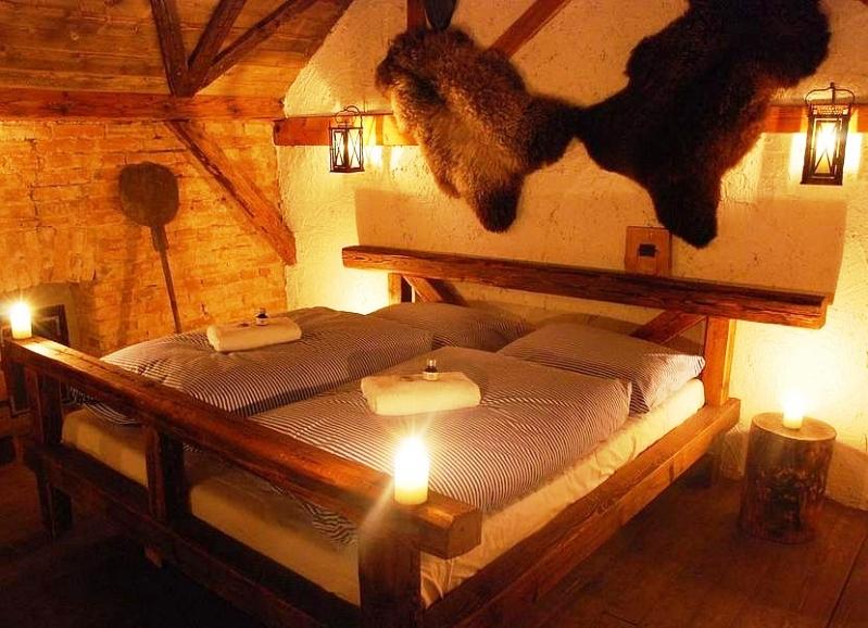 Středověký hotel Dětenice – ubytování, foto Zámecký resort Dětenice
