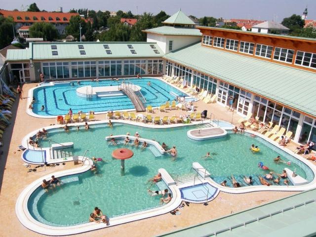 Maďarské termální lázně Mosonmagyaróvár pro zdraví i odpočinek