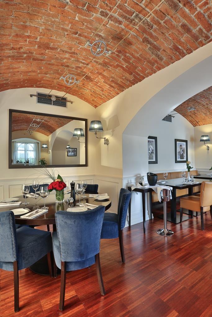 Prostory Restaurantu VILLA PATRIOT jsou ideální pro pořádání banketů, rautů, firemních akcí, večírků, oslav a společenských akcí. Foto Gourmet Hotel Villa Patriot