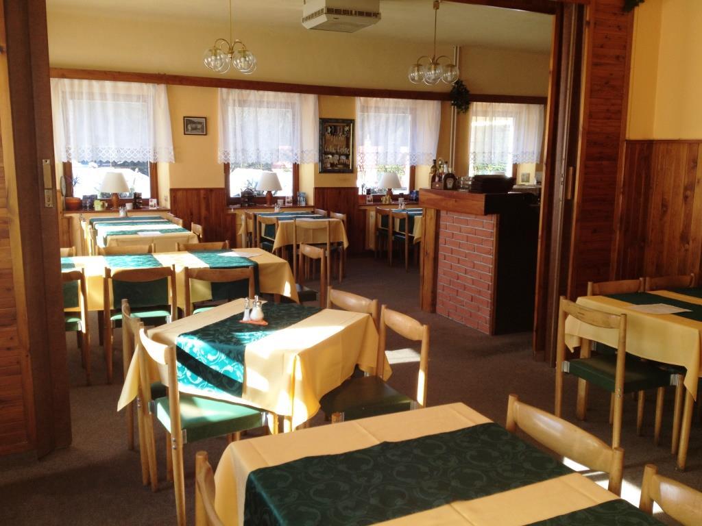 Restaurace v hotelu Adria, foto hotel Adria