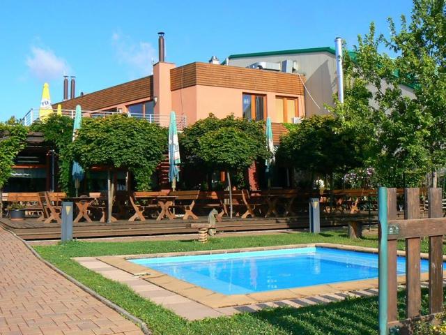 Kongresové a sportovně relaxační centrum OÁZA Říčany- školení, ubytování, kongresy, konference