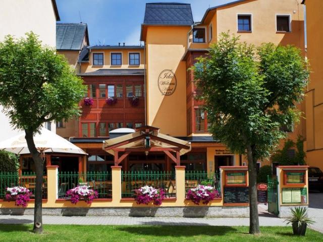 Čtyřhvězdičkový lázeňský Wellness Hotel Ida nabízí luxusní ubytování a wellness služby v centru města Františkovy Lázně jen pár kroků od lázeňské kolo