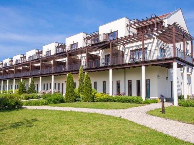 Tisza Balneum Thermal Hotel****