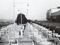 Kavárna v 6.poschodí, konec 20.let, výstava Příběh Veletržního paláce, foto NG Praha