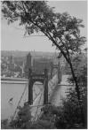 Pohled na řetězový Štefánikův most a Novomlýnskou vodárenskou věž, foto Jan Zeman, 30. léta 20. století