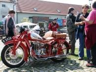 Chvalský zámek zve na výstavu historických motocyklů JAWA, kterou pořádá Klub historických vozidel Horní Počernice. Foto Chvalský zámek