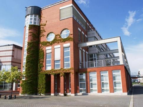 Na hradecké univerzitě se rozproudí debata o vztahu žurnalistiky a politiky. Foto Praha Press