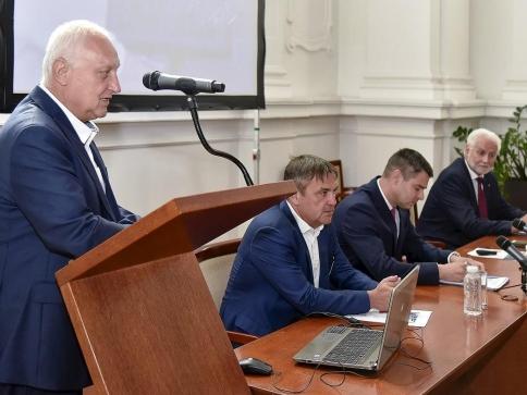 Seminář Průmysl 4.0 zahájil rektor VUT Petr Štěpánek, foto: Igor Šefr