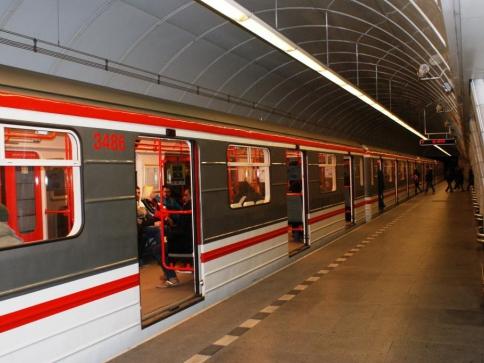 Devět dní bude omezen provoz metra linky C, foto Praha Press