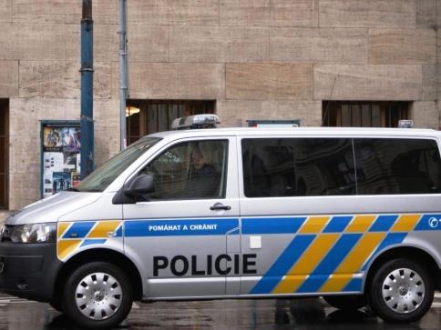 Policie řeší případ zákaznice, kterou uzamkl taxikář v autě. Foto Praha Press