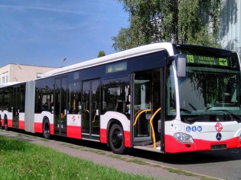 Mezi Nádražím Veleslavín a pražským letištěm pojede velkokapacitní autobus, foto DPP