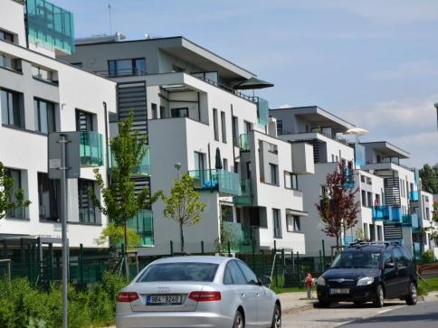 Češi se naučili investovat do bydlení, foto Praha Press