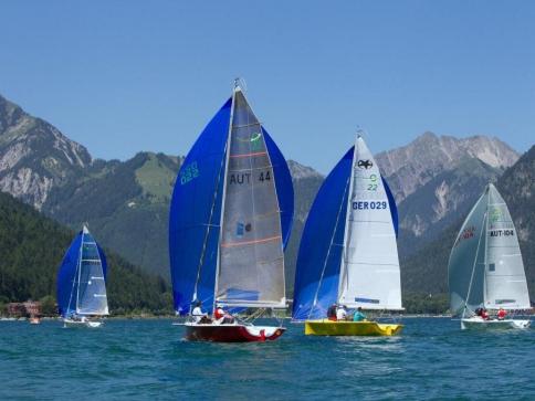 U tyrolského jezera Achensee najdete perfektní podmínky pro jachting, foto © Tourismusverband Achensee