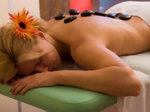 Odpočiňte si v moderním wellness