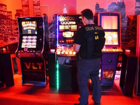 Metropole má zase o dvě nelegální herny méně, foto: Celní úřad pro hlavní město Prahu.