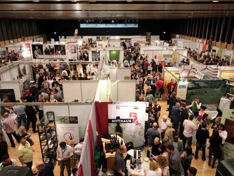 Za vínem a jeho producenty do Rakouska! Foto: cmw.at